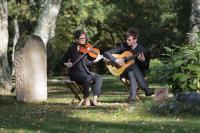 elicci-musiciens-obseques-duo-violon-guitare.jpg