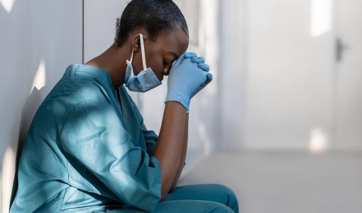 Burn-out des soignants : ce qu'il coûte et comment les établissements de santé peuvent le prévenir